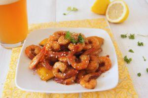 Креветки жареные в соевом соусе с медом