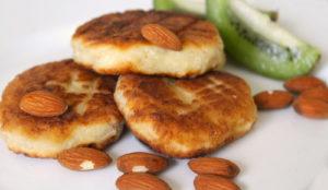 Сырники из творога с орехами
